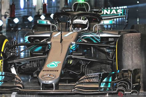 Mercedes AMG F1 W09 front detail - Photo gallery