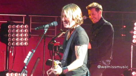 Keith Urban - Blue Ain't Your Colour (Live in Sydney