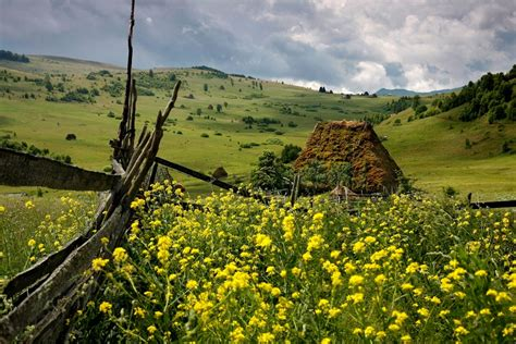 Somewhere Romania Let's Explore the Beauty - Gets Ready