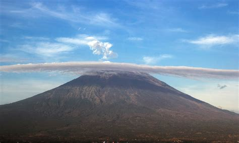Bali volcano Mount Agung could erupt any moment - Asian