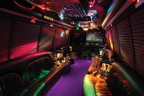 How to Plan an Awesome Bachelor Party using a Party Bus