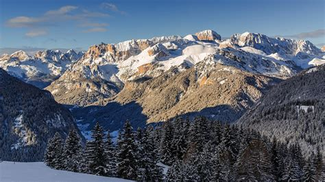 Canazei: luxury holidays in 4 and 5 star hotels – Val di Fassa